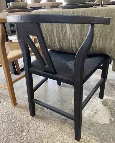 Chaise Eak noire