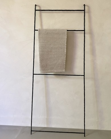 Echelle Zen en métal noir martelé