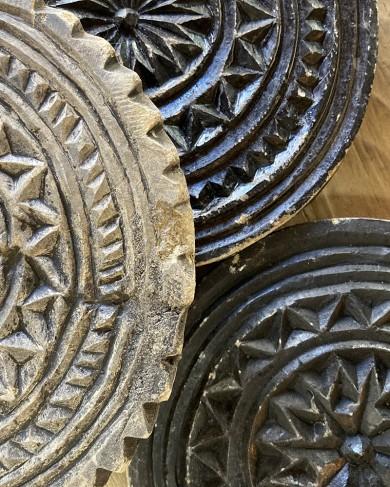 Dessous de plat décoratif en pierre taillée