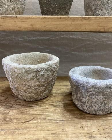 Pot en pierre de rivière